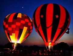 Nevşehir.  Ürgüp.  Peri bacaları.  Balons. Fire light. (elmasanil) Tags: nevşehir balon ürgüp peribacaları türkiye moon hd