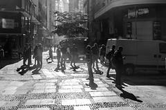 Foto-Arô Ribeiro-1375 (Arô Ribeiro) Tags: pho blackwhitephotos photography laphotographie pb bnw bw portrait blackandwhiteportrait candidportrait cidade sãopaulo street arôribeirofotógrafo brazil arte nikond7000 nikond40x thebestofnikon nikon fineart