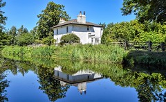 Reflections - Ripon Canal (Paul Thackray) Tags: yorkshire northyorkshire ripon riponcanal waterway lockcottage reflections footpath 2018