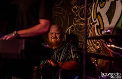 Joe Keyes and The Late Bloomer Band (incogneato.imagery) Tags: joe keyes late bloomer band live music dantes bar frostburg maryland 2018 nikon event concert photography incogneato imagery drums bongo musician beard bald man