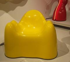 Wendell Castle – Molar collection – 1968-1969 (Eddy VDB) Tags: belgië belgium brussel brussels design adambrusselsdesignmuseum wendellcastle zetel seat molarcollection 19681969 grp beylerianlimited amerikaans american