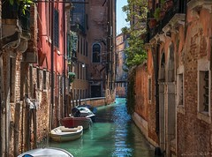 Hidden places (Cristiano Busato) Tags: venice hidden places venezia luoghi nascosti canale acqua water barche boats art arte beautiful italy veneto sole ombra