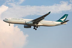 B-HLH (TommyYeung) Tags: cathaypacific cathaypacificairways cx cpa 國泰 國泰航空公司 國泰航空 國泰航空有限公司 widebodyjetairliner widebodyjet widebody airbus airbusa330 a330 a330300 a330342 airbusa333 aircraft airplane airliner air airline airliners airlines taoyuan taoyuanairport taoyuaninternationalairport 台北 台灣 桃園 桃園機場 桃機 plane planespotting planephoto aeroplane spotting spotter transport transportphotography transportspotting fly flymachine tpe rctp canon canonphotography canoneos5d4 jet commercialjet twinjet landing photography photo bhlh