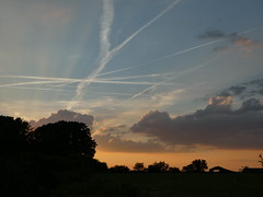 End of Day (ART NAHPRO) Tags: sussex summer rural hot heat wave barn farm contrails