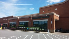Entry Vestibule (Retail Retell) Tags: lakeland tn kroger former schnucks architecture exterior design picture window us hwy 64 2011 relocation 2012 bountiful décor remodel expansion 2013 shelby county retail