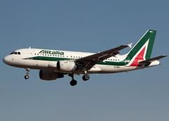 Alitalia, Airbus A319 > EI-IMO (FLR/LIRQ) 13.07.2018 (Ernesto Imperato - Firenze (Italia)) Tags: firenze peretola vespucci flr lirq canon eos 7d airbus airbusa319 a319 eiimo alitalia isoladischia ischia