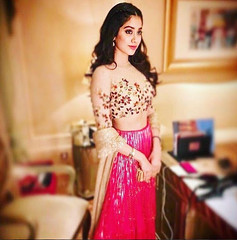 jhanvi Kapoor HD wallpaper, Pictures, Images - whatsappsher (whatsappsher) Tags: bollywood dp for girls images jhanvi kapoor wallpaper