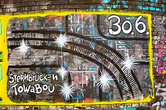 towabou (Rasande Tyskar) Tags: sternbrücke wall wand bricks steine backsteine farben colours colors angemalt bunt hamburg streetart street mural towabou poster