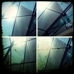Up (BedBrochFlick) Tags: mmxviii 2018 ldn england canarywharf city summertime shoppingvale mall window windows londinium londres london