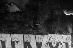 GRU, sp (Th. C. Photo) Tags: gru guarulhos street streetphotography streetphoto streetphotographysp photography fotografia rua fotografiaderua pretoebranco blackandwhite pb bw streetphotogranight fotografiaderuanoturna