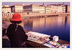 _rosso (fot_oKraM) Tags: florenz firenze florence toskana tuscany italy italien rot red rosso ponte vecchio arno