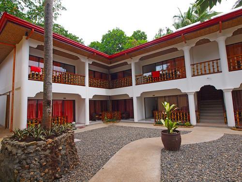 Alona Vida Beach Resort - Deluxe Rooms  (9)