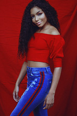 Any Gabrielly (TheJennire) Tags: photography fotografia foto photo canon camera camara colours colores cores light luz young tumblr indie teen adolescentcontent anygabrielly moana moany sp sãopaulo brasil brazil fashion style 2018 50mm red curlyhair makeup nowunited singer actress celebrity