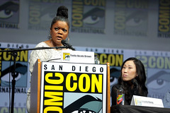 Yvette Nicole Brown & Angela Kang (Gage Skidmore) Tags: yvette nicole brown angela kang walking dead amc san diego comic con international 2018 convention center california