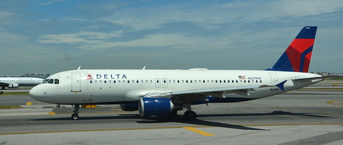 Delta N327NW