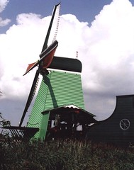 Windmill (fiumeazzurro) Tags: 123 olanda zaanseschans 1on1 4aces scoreme mnfg commentscomments rocchecastelli rocchefariecastellicastleslighthosesbelltowers