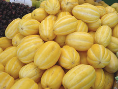Korean Melon (OhChiik) Tags: food yellow fruit shopping market melon cucurbitaceae flushing cucumis koreanmelon cucumismelo cucumismelovarmakuwa