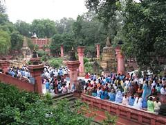 Mahabodhi Temple   mass meditation 3