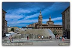 Fuente de la Hispanidad, Zaragoza, España. (jesus.de.leon1) Tags: cielo zaragoza españa spain fuente gente iglesia aragon nikon7000 nikon
