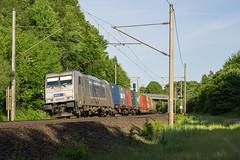 Friedrichsruh Wald Metrans 386 012-9 Container (Wolfgang Schrade) Tags: metrans br186 3860129 containerzug container zug güterzug eisenbahn kbs100 friedrichsruh