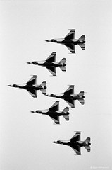USAF Thunderbirds (dpsager) Tags: airshow2017 bw cleveland clevelandnationalairshow dpsagerphotography f16fightingfalcon film ilfordhp5 jet military ohio thunderbirds usaf aircraft airplane