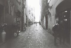 Roma (goodfella2459) Tags: nikon f4 af nikkor 24mm f28d lens fomapan action 400 35mm blackandwhite film analog city roma streets italy rome people pedestrians bwfp