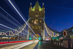 La città che corre / The running city (Tower Bridge, London, United Kingdom) (AndreaPucci) Tags: london uk towerbridge longexposure traffic andreapucci night