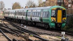 377617 (JOHN BRACE) Tags: 2012 bombardier derby built class 377 electrostar 377617 southern livery east croydon station