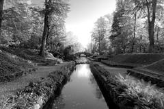 Großer Kanal II ([laudanum]) Tags: ludwigslust ludwigslustparchim mecklenburgvorpommern schlossludwigslust schloss schlosspark park groserkanal wasser kanal brücke
