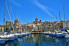 2016-06-08g rejs - Vittoriosa (4) (aknad0) Tags: malta vittoriosa morze architektura krajobraz statki