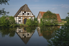 Rural Pleasure (Pascal Riemann) Tags: deutschland landschaft freilichtmuseumdetmold architektur detmold fachwerkhaus see spiegelung gebäude natur gewässer architecture building germany haus house lake landscape nature outdoor reflection reflexion waters