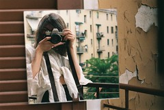 There / Bologna (Gizem Bengisu Erenler) Tags: fujifilm minolta srt101 analog analogue analogphotography filmphotography 35mmfilm italy self portrait mirror