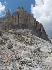 DSCN0090 (Puntin1969) Tags: montagna valdifassa fassa vacanze luglio dolomiti rifugio nikon coo sole