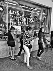 Mujeres,Centro de San Salvador. (Alexseander R. Antonio) Tags: guanaco guanaca salvadoreña sansalvador sansalvadorelsalvador salvadoreño centrohistoricodesansalvador centroamérica ca calle mujer mujeresyhombres teatronacionaldesansalvador avmonseñorromero portaldeoccidente centroamerica elsalvadortravel elsalvadorimpresionante gente elsalvador