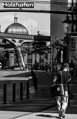 Fischmarkt (michael_hamburg69) Tags: hamburg germany deutschland groseelbstrase47 modern office building harbour harbor bürokontorost holzhafen bürokontorhaus monochrome stilwerk mann man person guy fischauktionshalle