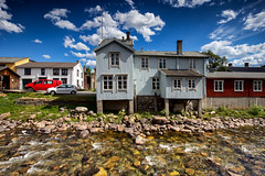 Røros @ Norway 2018 (zilverbat.) Tags: noorwegen norwegian norge zilverbat clouds architecture building canon image bild unescoheritage heritage tripadvisor travel timelife town visit tourism tour pin røros wallpaper postcard old wood history ngc centre river water lee