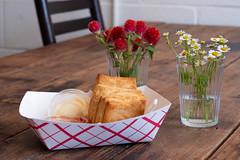 Biscuits (-Dons) Tags: confituraslittlekitchen flowers austin tx usa biscuits flower table confituras snack lunch brunch