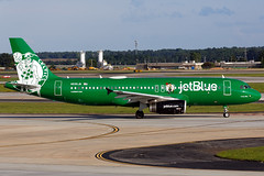 N595JB - Airbus A320-232 - jetBlue - KATL - July 2018 (peachair) Tags: n595jb airbus a320232 jetblue katl july 2018 msn 2286 luckyblue boston celtics livery