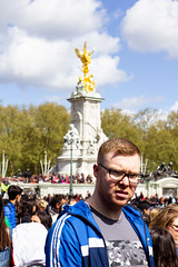 Schooltrip @ London 04/2018 (Iris Neline Kuit) Tags: londen london england english netherlands amsterdam nl eng uk boat person persons portraits portrait architecture arcitect nature landscape school group trip vacation holiday pink expression expressions
