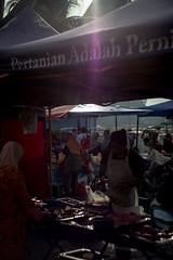 DSCF9564 (lukmanism) Tags: fujifilm helios442 lensturbo2 kualaklawang negerisembilan malaysia streetphotoghraphy silhouette vintagelens pasartani market sunrise muziumadat