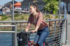 Copenhagen Bikehaven by Mellbin - Bike Cycle Bicycle - 2018 - 0018 (Franz-Michael S. Mellbin) Tags: accessorize biciclettes bicycle bike bikehaven biking copenhagencyclechic copenhagenize cyclechic cyclist cyklisme fahrrad fashion people street velo velofashion