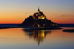 Special Sunset (Denis Brignone) Tags: normandia montsaintmichel normandie riflesso sunset tramonto isola mare colori francia chiesa