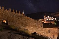Rincones de Albarracín - Teruel (robertopastor) Tags: d850 españa nikon nikon1635mmf4 robertopastor albarracín aragón es gato nocturna