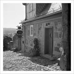 tavern (macfred64) Tags: film analog mediumformat 120 6x6 rolleiflex35f czplanar fujineopan400cn bw blackandwhite c41 marburg hessen homeland germany