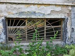 P1230821 (businessofferrets) Tags: urbanexploration urbex soviet lenin hausderoffiziere