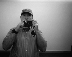 < autoportrait > (Mister.Marken) Tags: 50 nikonl35af kentmere400 madeinsweden monochrome selfie