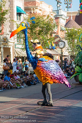 Pixar Play Parade (Disney Dan) Tags: 2018 pixarfest summer up june kevin disney russell disneyparks disneylandresort disneycharacters pixarplayparade pixar anaheim ca california character characters dlr disneycharacter disneyphoto disneypics disneypictures disneylandresortcalifornia juin parade travel upmovie vacation