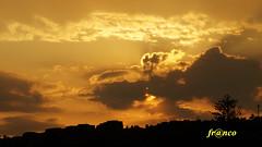 Tramonto (fr@nco ... 'ntraficatu friscu! (=indaffarato)) Tags: tramonto nuvole sole