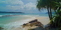 After a storm the sun always shines (Dawn in Phuket, Thailand) Tags: phuket bon island