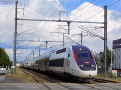 TGV Euroduplex 3UFC n°880 + TGV Duplex n°704 (ChristopherSNCF56) Tags: lorient tgv gare inoui euroduplex carmillon duplex dasye 704 880 sncf train paris quimper rame trains